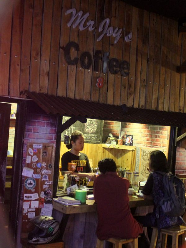 Bar unik Mr. Joy's Coffee di Food Court Cimoney