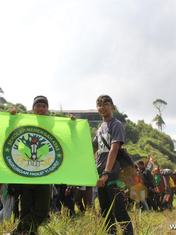 Pelajar dari organisasi Lingkungan Hidup SMAN 11 Garut (Paket Wisata Garut, Wisata Edukasi Garut, Study Tour Garut)